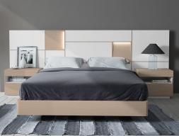 Chambre avec une tête de lit extra longue en chêne. Mod. MONTERREY