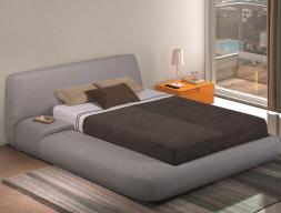Chambre avec lit tapissé. Mod. LIS