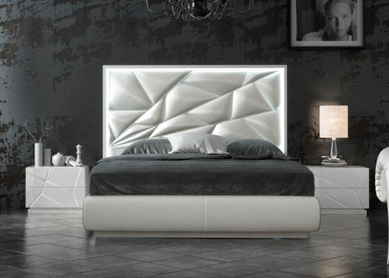 Chambre tapissé et laqué avec éclairage led incorporé et sommier coffre tapissé.Mod: NAUGE LED