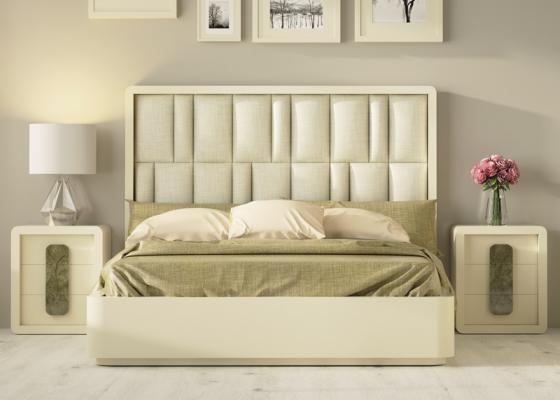 Chambre design tapissée avec tour de lit laqué.Mod: GLASS