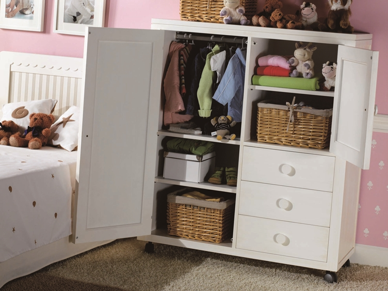 armoire basse enfant avec roulettes mod merlin 8050. Black Bedroom Furniture Sets. Home Design Ideas
