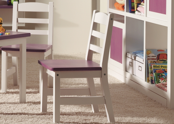 Chaise d'enfants. MERLIN 8035