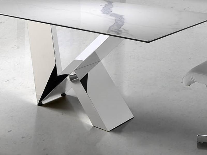 Table � manger avec plateau rectangulaire en marbre c�ramique . Mod. MARMOL
