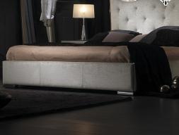 Tour de lit tapissé. Mod. ILUSION