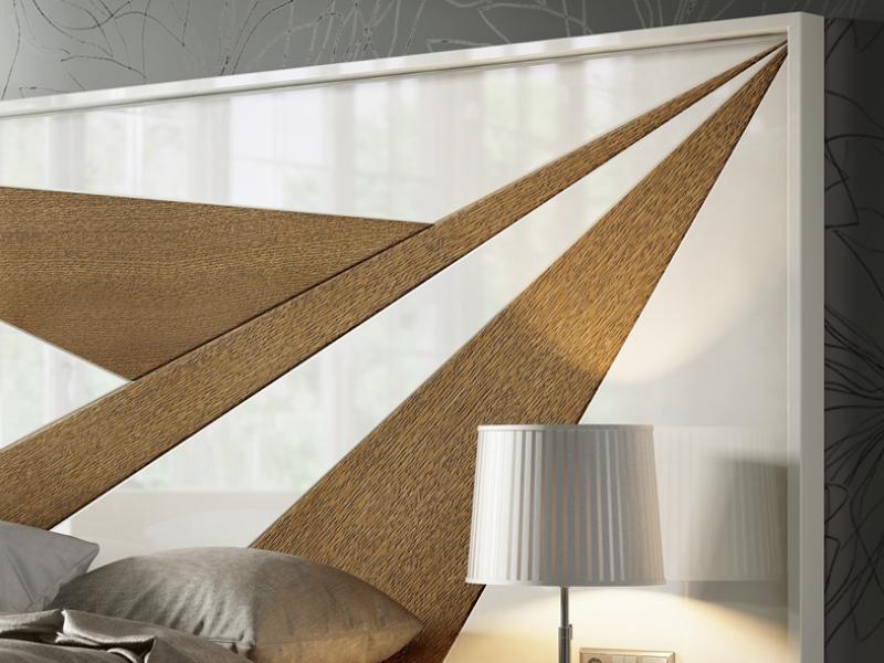 T�te de lit laqu�e et en bois de ch�ne. Mod: IKU XXL