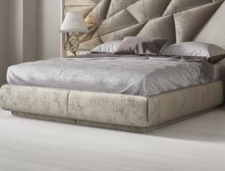 Tour de lit tapissée. Mod: NAUGE