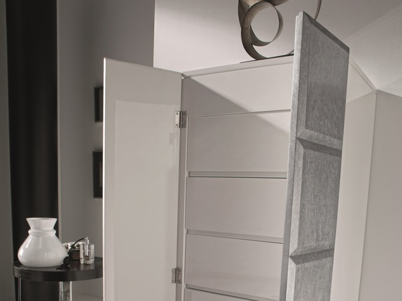 chiffonnier laqu e avec un coffret bijoux avec miroir mod natassia. Black Bedroom Furniture Sets. Home Design Ideas