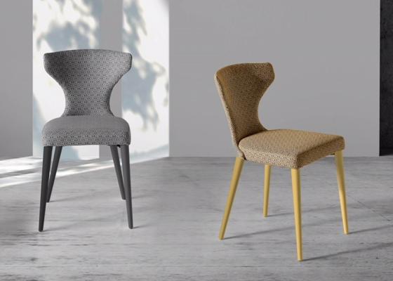 Ensemble de  2 chaises garnies avec piètement en bois. Mod. ANNA