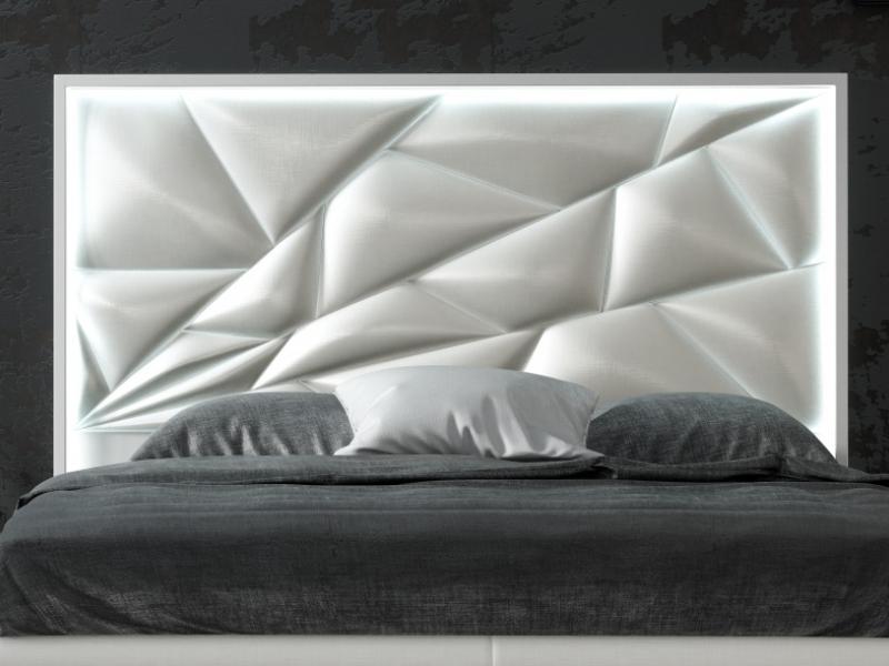 T�te de lit laqu�e et tapiss�e avec �clairage led. Mod. NAUGE LED