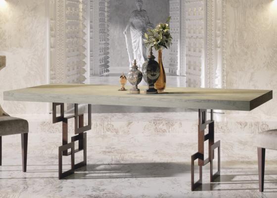 Table à manger extensible avec plateau en chêne. Mod. MONS