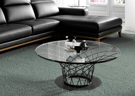 Table basse en acier laquée avec plateau en verre. Mod: LORENA