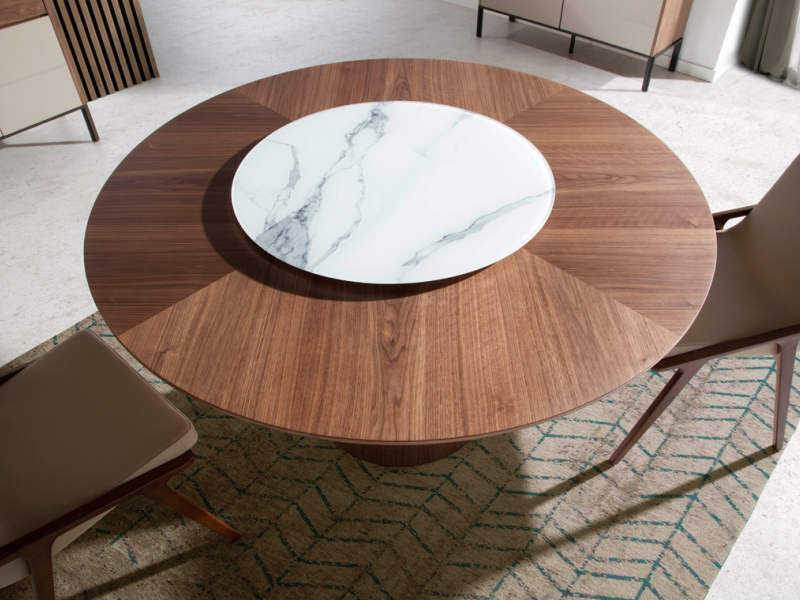 Table � manger ronde avec plateau tournant au centre. Mod. GRACIA
