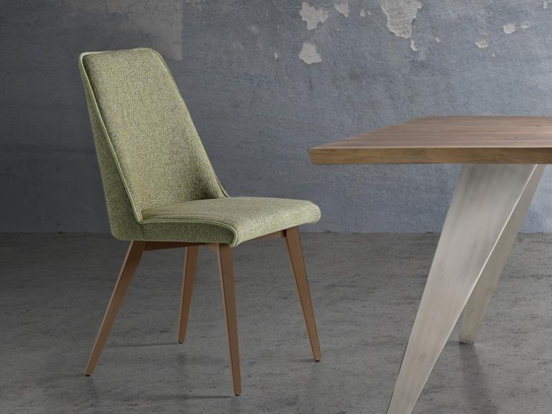 Ensemble de  2 chaises garnies avec pi�tement en bois. Mod. WENDY