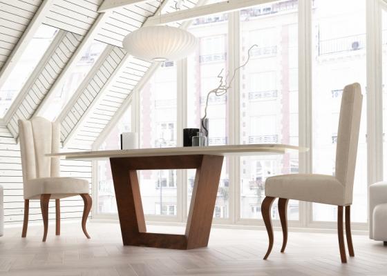 Table à manger avec plateau en marbre. Mod. CINNIA
