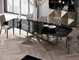 Table à manger avec plateau en marbre. Mod. KENIA