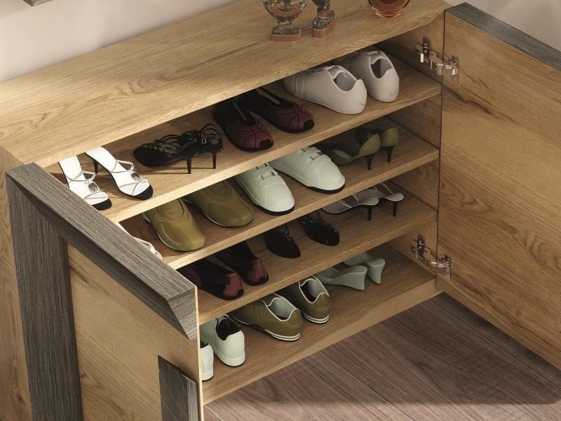 Meuble range-chaussures en ch�ne. Mod. DUNE