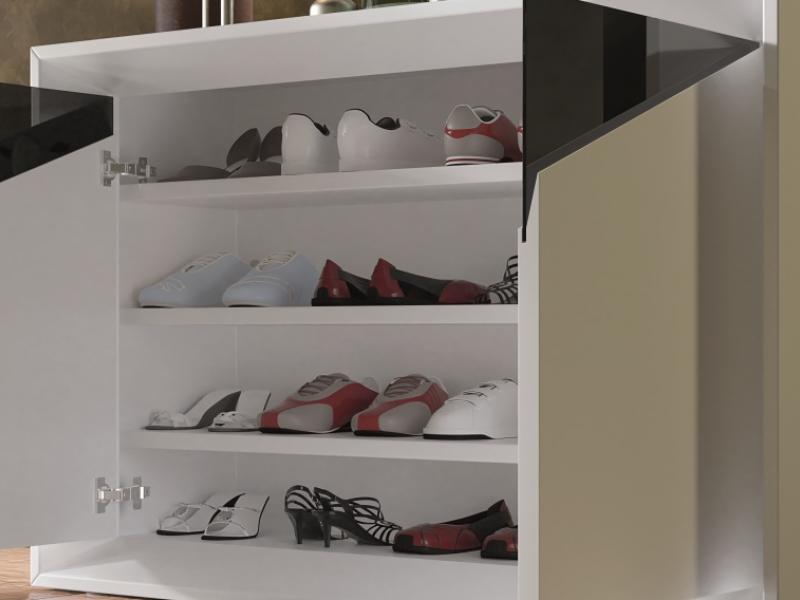 Meuble range-chaussures laqu� avec d�coration en verre. Mod. VAPRO