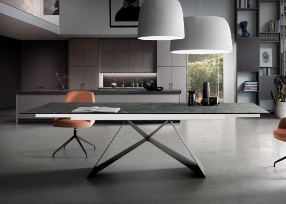 Mesa de comedor extensible con tapa cer�mica .Mod: MOON CER�MICO