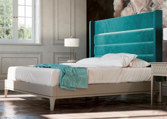 Lit complet tapissé en velours et tour de lit laqué. Mod. BLANCHE