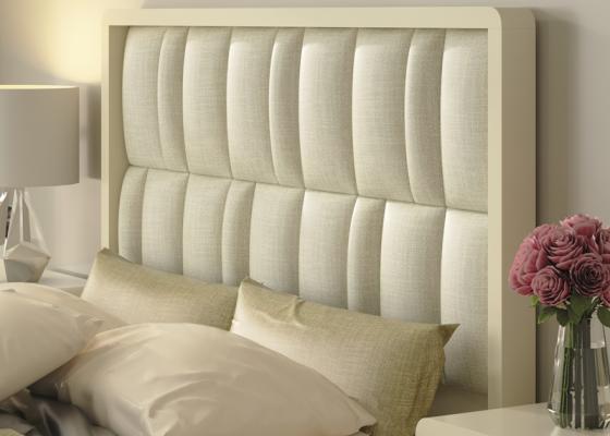 Tête de lit laquée avec partie centrale tapissée. Mod. GLASS