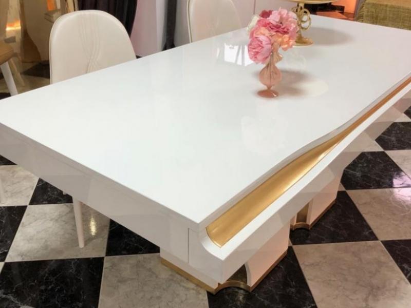 Table �  manger fixe avec tiroir � couverts. Mod. ESSENCE