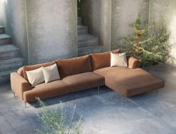 Canapé design avec chaise longue et bases en acier inox. Mod : CELINE