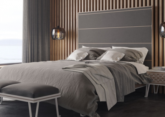 Tête de lit en bois de chêne et tapissée. Mod. POSITANO