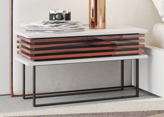 Table de nuit design en bois et laque. Mod. AJACCIO