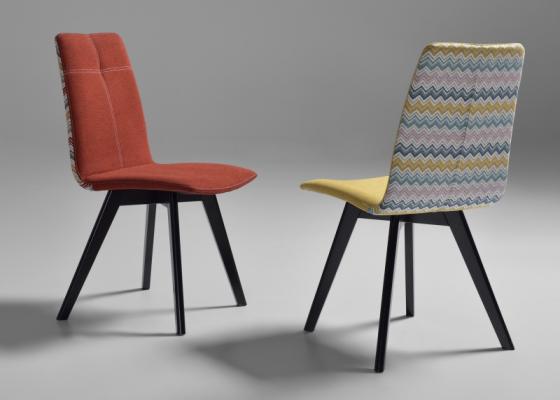 Chaise tapissée. Mod. BIBI